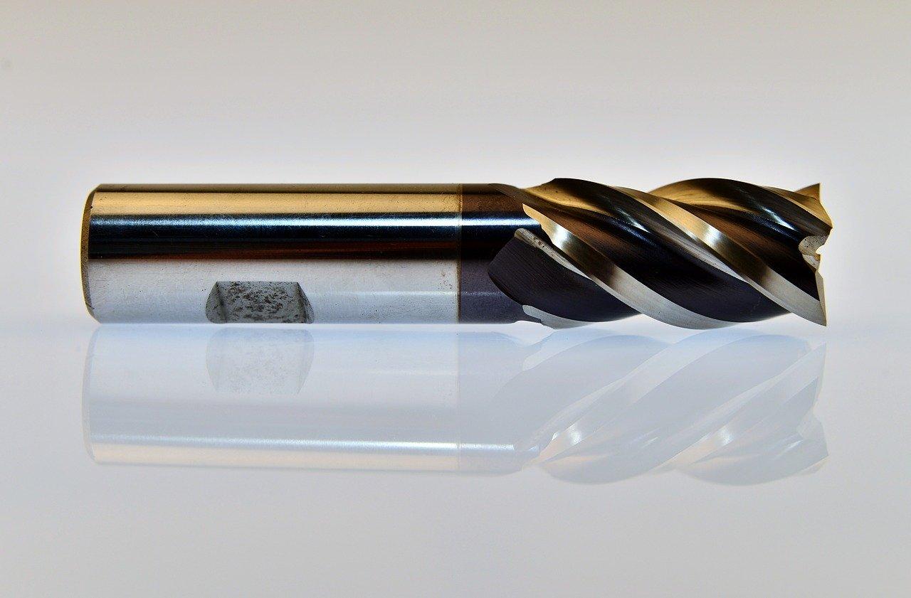 H7の止まり穴と貫通穴で加工方法が違う